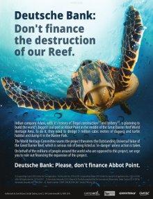 """poster zur aktion von campact mit dem titel """"don´t finance the destruction of our reef"""", darauf zu sehen der titel und eine schildkröte, die unter wasser schwimmt"""